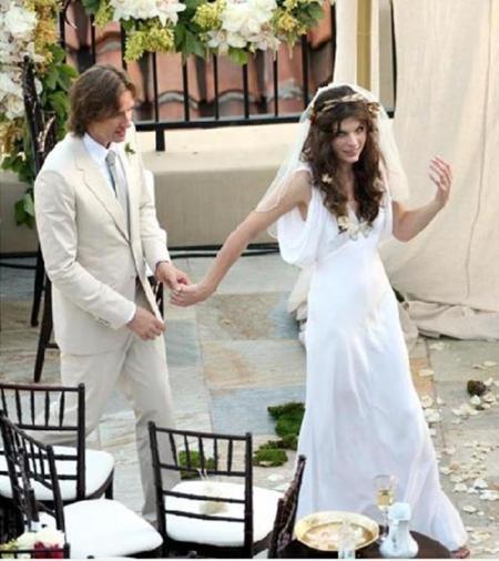 milla jovovich diseña su vestido de novia | modiario